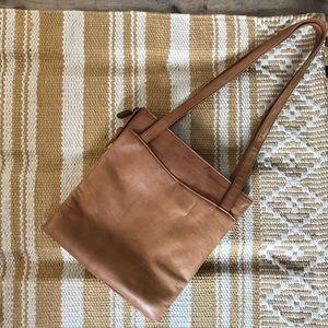 Vintage leather tan shoulder bag